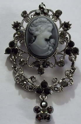 Victorian Style Costume Cameo Brooch Pin