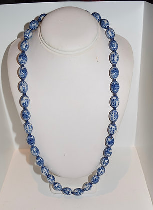 Vintage Porcelain Chinese Blue and White Beaded Necklace Oval Shape