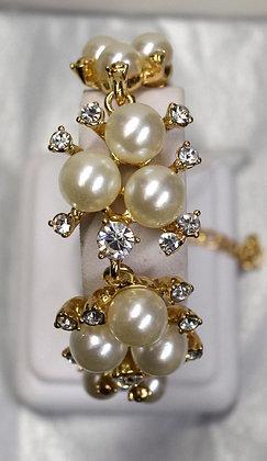 Costume Pearl and Rhinestone Bracelet Gold