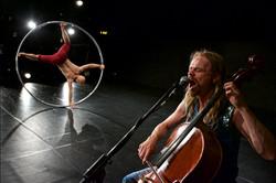 Performance by Alex Vantournhout