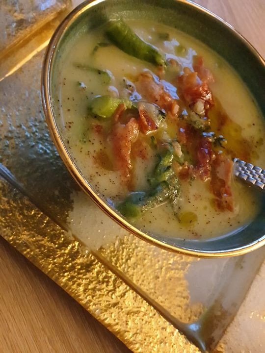 Roasted Garlic Leek and Broccoli Soup