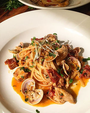Dinner _thepurpledoorsupperclub tonight house linguine, chouriço, crab, clams, sun-dried tomatoes ,