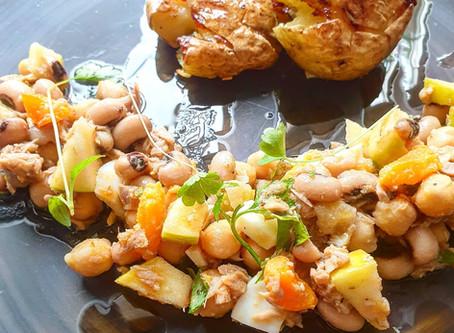 Portuguese Style Tuna Salad with Black Eyed Peas & Chickpeas ❦ Salada de Atum Feijão Frade e Grão