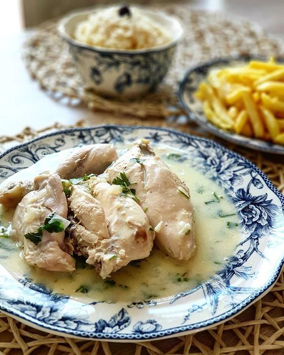 Portuguese Chicken Fricassee ❦ Frango de Fricassé