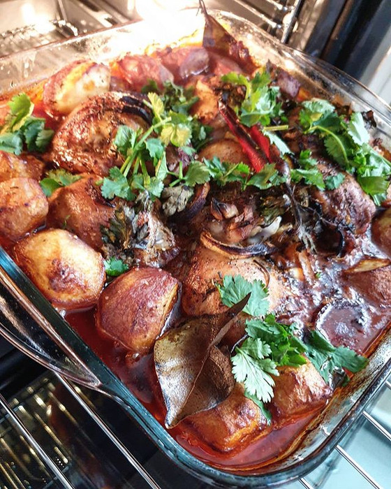 Portuguese Oven Baked Chicken Thighs in Red Wine with Baby Potatoes ❦ Coxas de Frango e Batatinhas n
