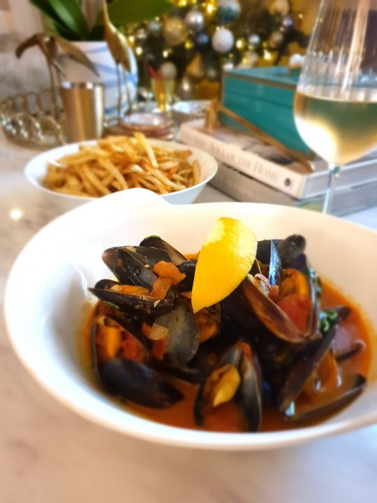 Beer Steamed Mussels with Chorizo