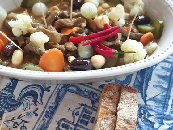 Quick Portuguese Sautéed Beef with Pickles ❦ Pica Pau