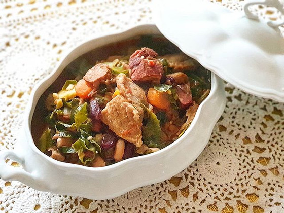 "Portuguese Pork Bean and Cabbage Stew ❦ Feijoada à Transmontana ""Aldrabada"""