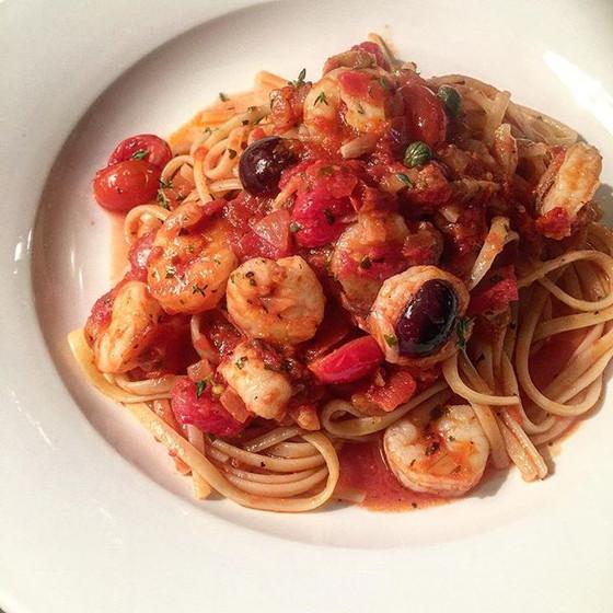 Spaghetti alla Puttanesca with Prawns