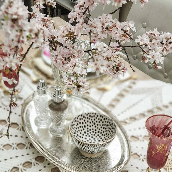 A Mother's Day Brunch Table Setting