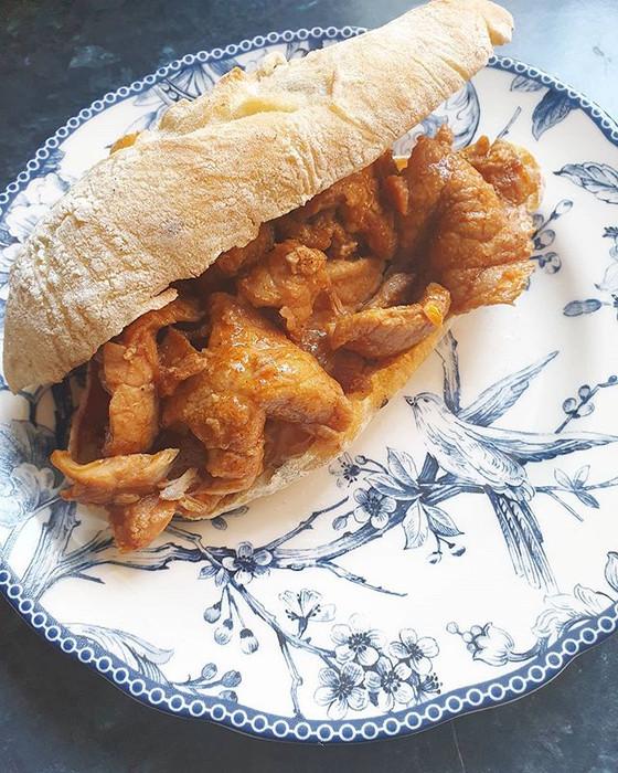 Bifanas à Moda do Porto ❦ Pork Cutlet Sandwich Porto Style