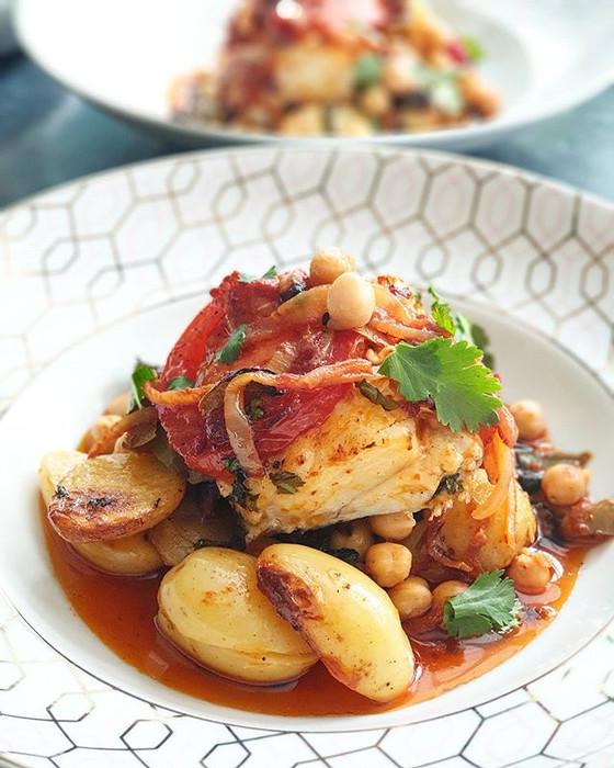 Bacalhau Assado no Forno com Cebolada e Grão ❦ Roasted Salt Cod with Chickpeas Onions and Peppers