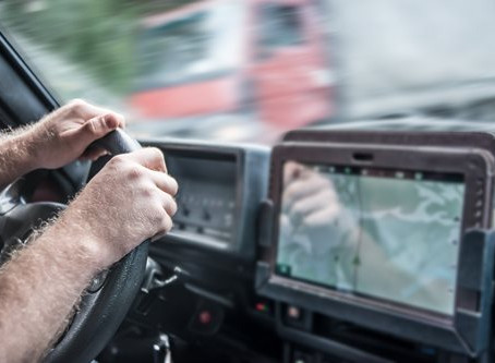 Choosing the Best GPS for Truck Drivers