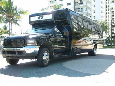 22 Passengers Limo Bus
