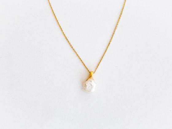 Fine Gold Chain with Keisha Pearl pendant