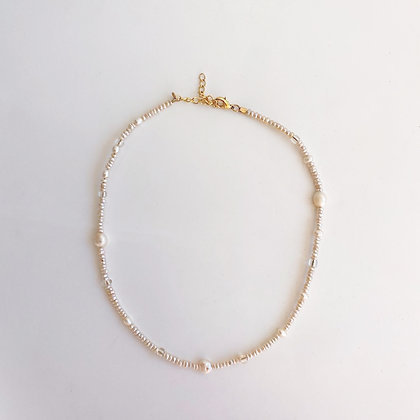 Fresh Water Pearl Choker with Gold Chain Extender