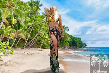 fanny-blomme-beach-model.jpg