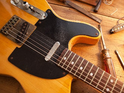 guitar-repair-bench