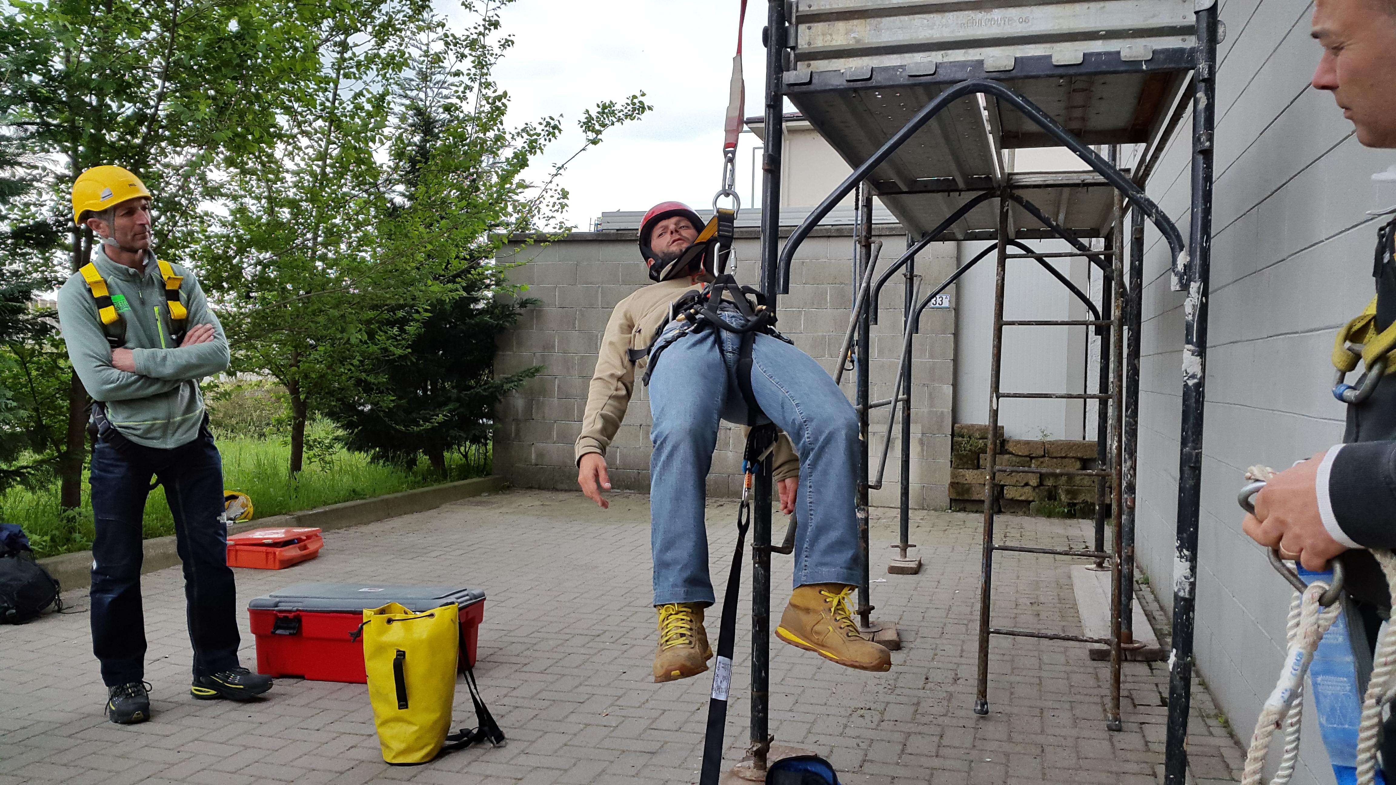 Corso lavori in altezza su tetti-1