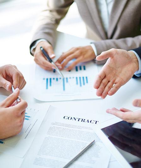 Бизнес-партнеры на работе