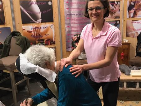 Massage assis au Salon Zen et Bio Angers et Rennes