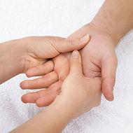 1 - Accueil massage mains 2-.jpg