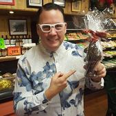 Chef Grahmn Elliot visits The Bungalow Chef's pop-up chocolate shop