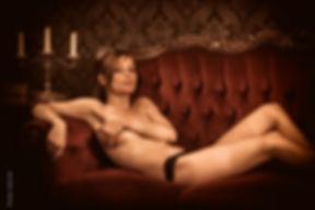 Photographe professionnel lille photographie roubaix studio pierre magne luxure boudoir sexe prostitution maison close femme topless lingerie nue rousse red hair woman femme girl