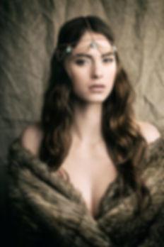 Photo Mode Fashion Photographe Professionnel Lille Roubaix Woman Agence Mannequin Modèle Girl Photographer Photography Pierre Magne  portrait ethnique reine bijoux