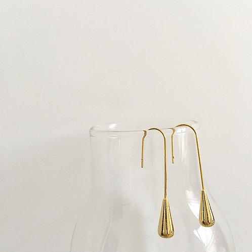 Gold water drop earrings