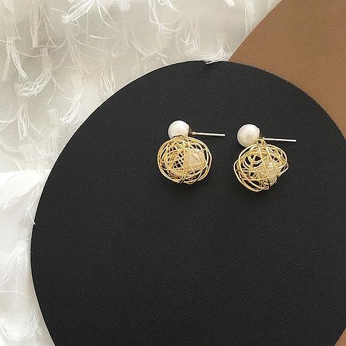 Net-shaped Pearl Earrings