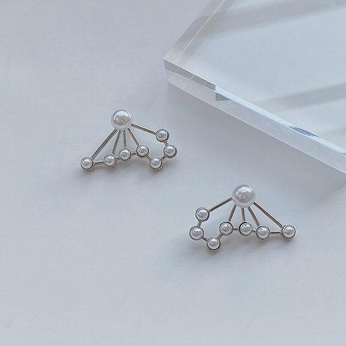 Fan-shaped Pearl Earrings