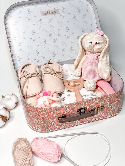 "Medium box ""Bonnie the bunny"""