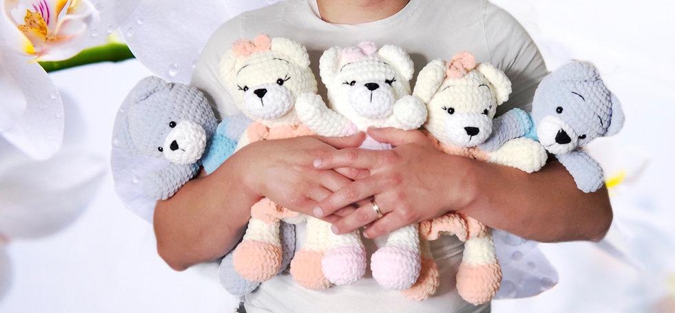 Single plush Teddy bears