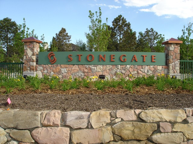stonegate-monument