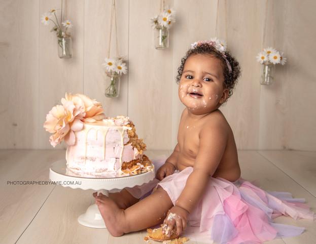 CakeSmash_Sarah_26102018 (183) LOGO.jpg