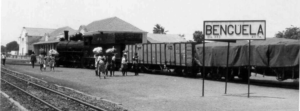 Black and white photo of Benguela railway
