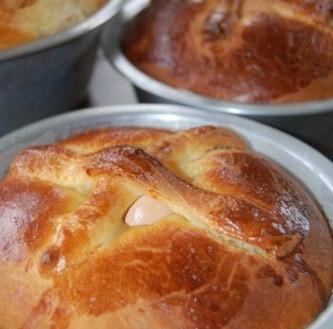 Massa sovada/Portuguese sweet bread and folar de páscoa