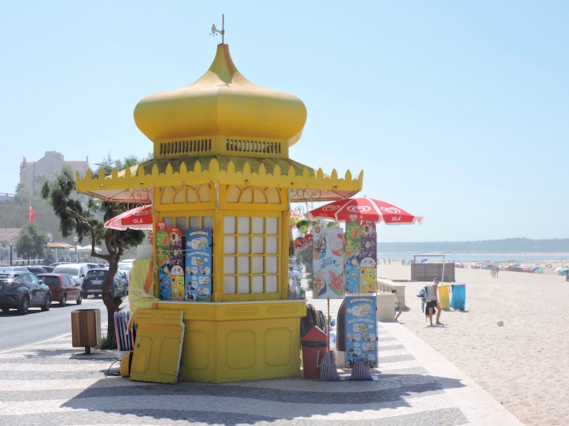 Beach kiosks in Foz do Arelho