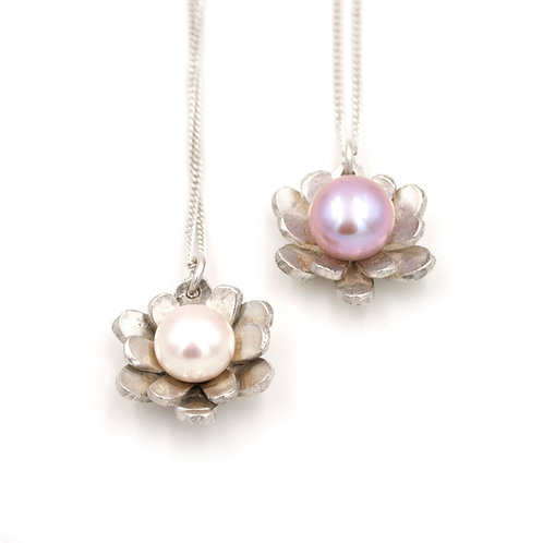 Freshwater Pearl and Silver Flower Necklace
