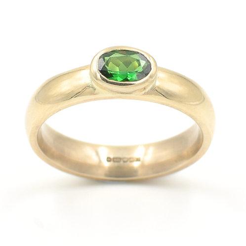 9ct Yellow Gold Ring with Tsavorite