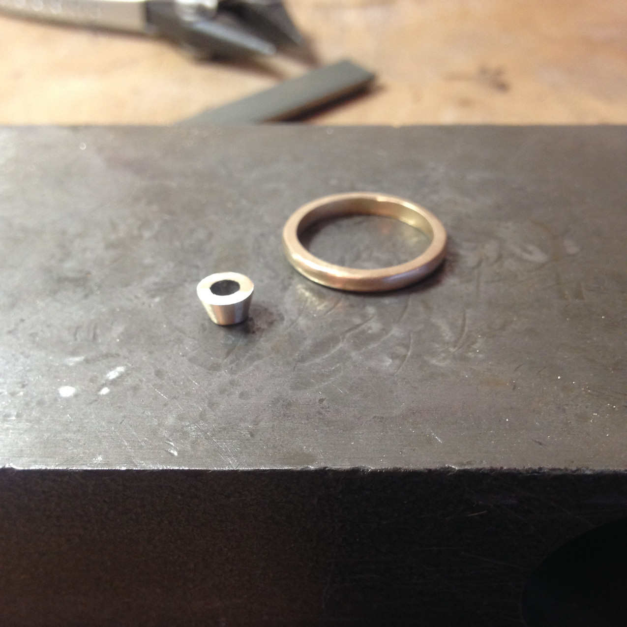 9ct Gold ring shank with a low setting. remodelled from old gold.