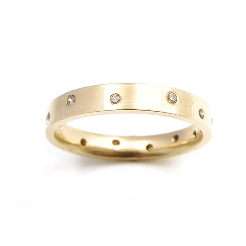 9ct Gold and Cinnamon Diamond Ring