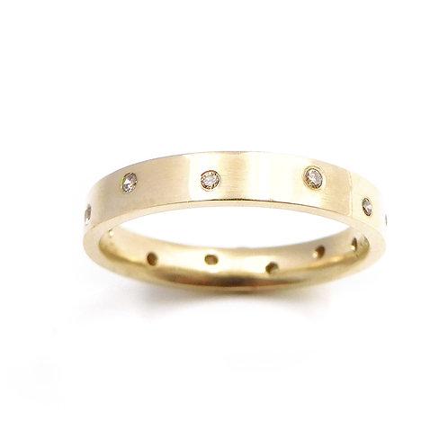 9ct Gold and Cinnamon Diamond Ring