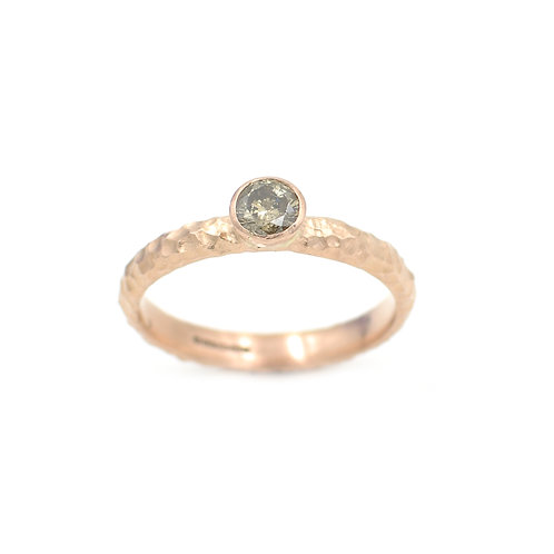 9ct Rose Gold Textured Band with 4.5mm Cinnamon Di