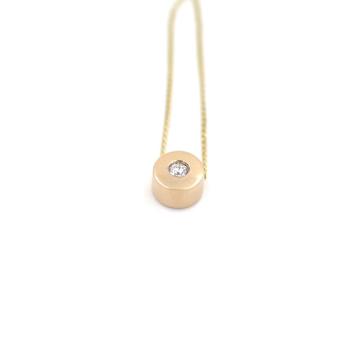 9ct yellow gold and diamond dainty necklace