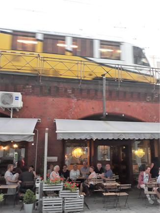 2019_06_23_23_les_trains_au-dessus_du_Kf