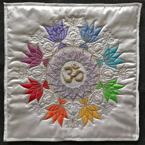 """7. Crown Chakra Mandala"" Pillow / DST-pattern w. interfacing"