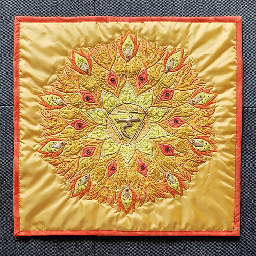 """3. Solar Chakra Mandala"" Pillow / DST-pattern w. interfacing"