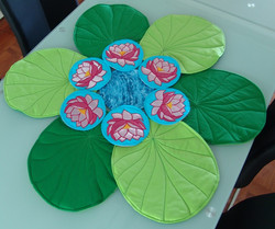 Table Set - Lotus